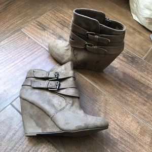Nine West  brown suede ankle boots with buckles